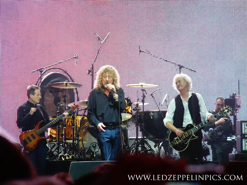 Led Zeppelin - ledzeppelinpics.com - Copyright Ste Gough